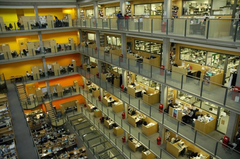 Khung cảnh làm việc bên trong Imperial College London