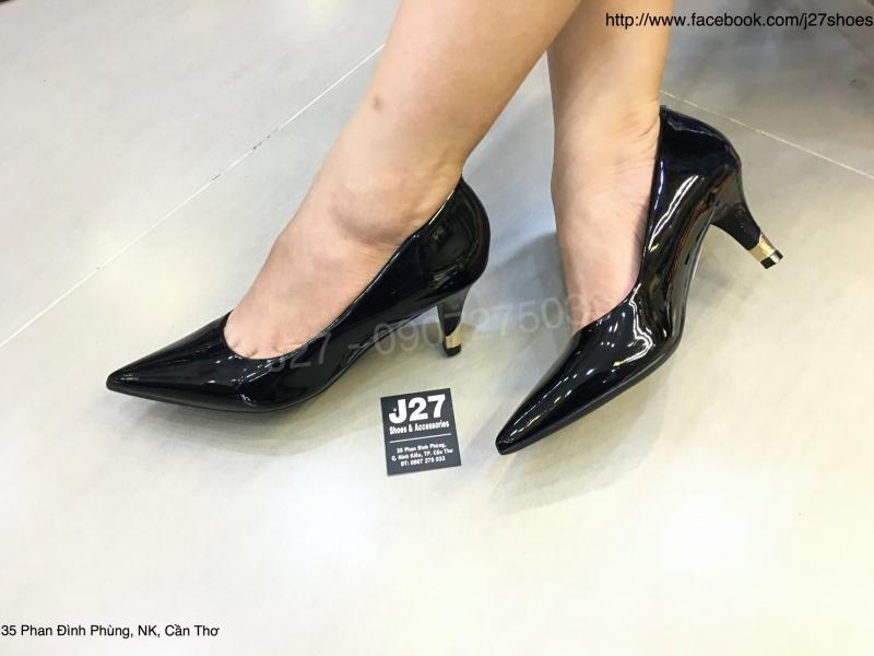 J27 Shoes & Accessories