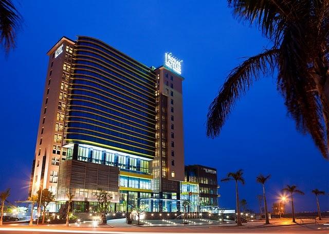 Royal Lotus Hotel Ha Long về đêm