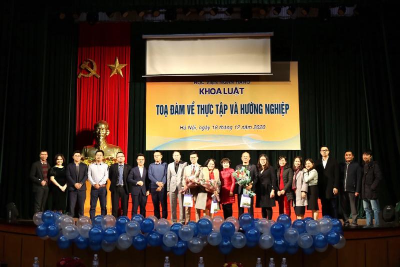 Top 5 Chuyên ngành hot nhất Học viện Ngân hàng Hà Nội
