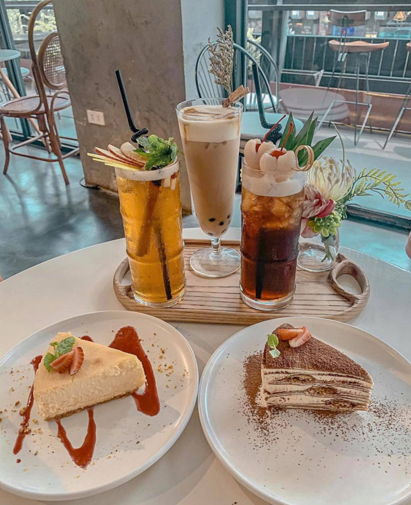 La Fleur Tea and Dessert Cafe