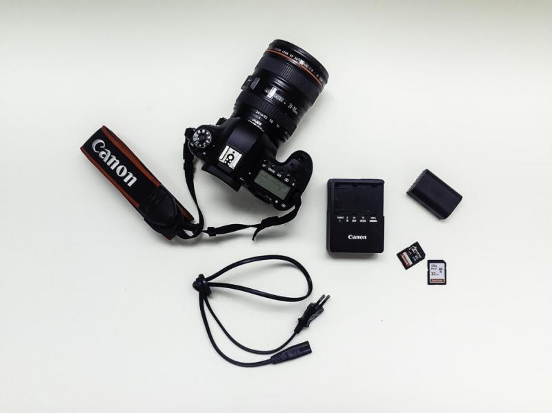 Lens MF (Chế độ Manual Focus)