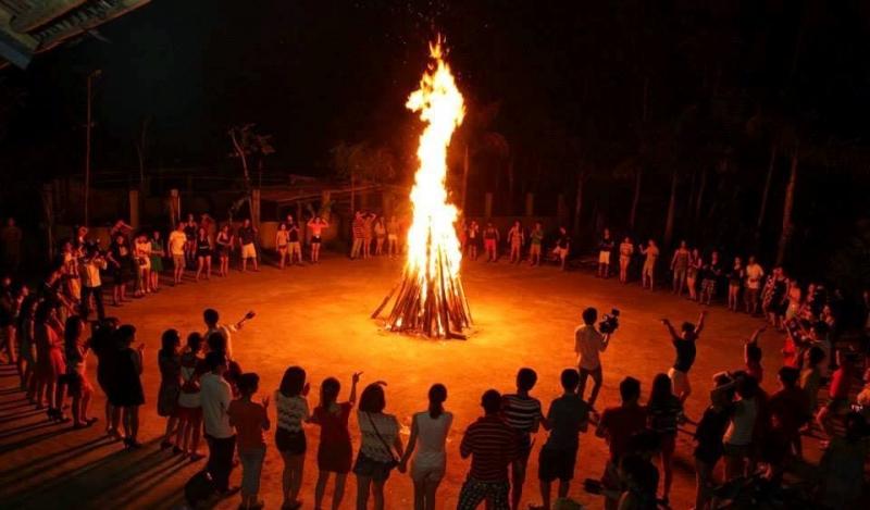 Hoạt động đốt lửa trại Mai Châu