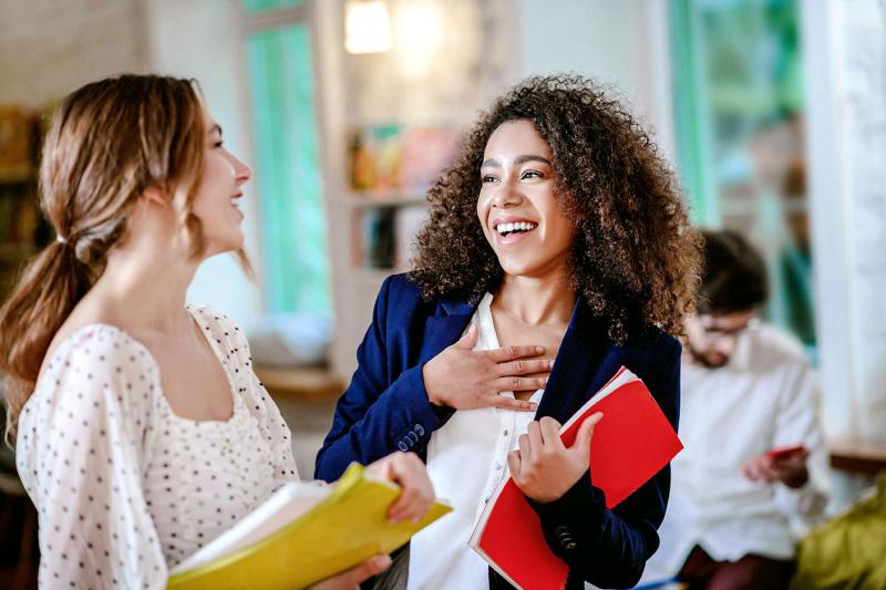 Luân xây dựng cuộc nói chuyện theo hướng tích cực