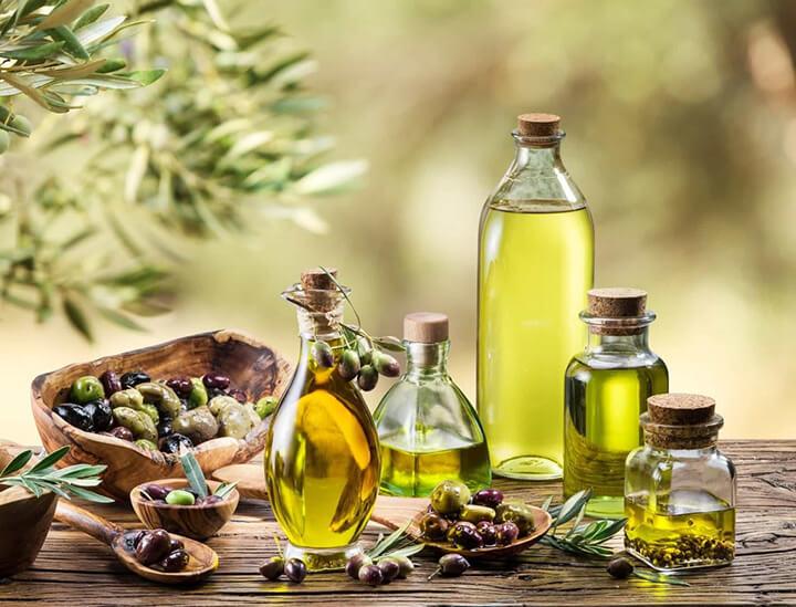 Massage bằng dầu oliu