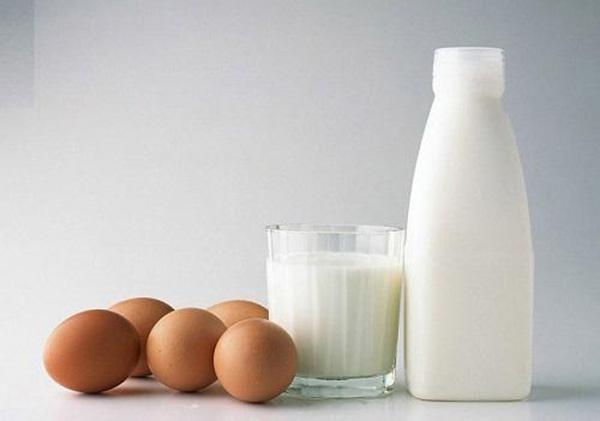 Mặt nạ trứng gà và sữa tươi