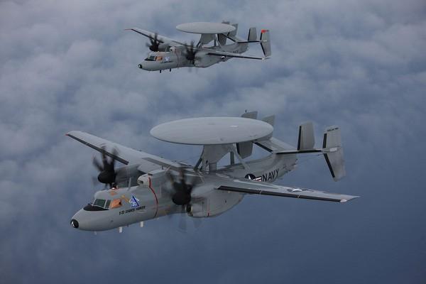 Máy bay do thám E-2D Advanced Hawkeye