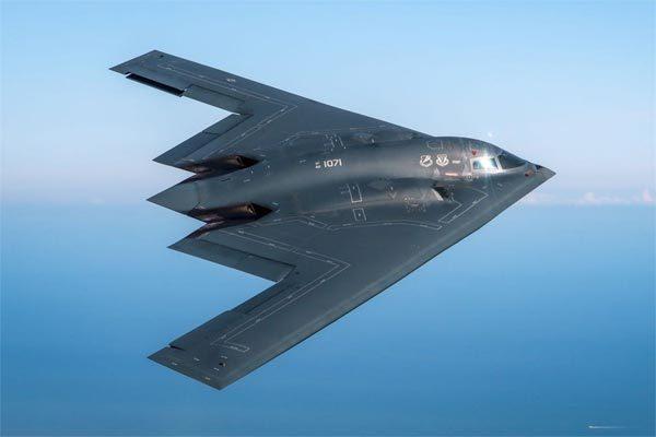 Máy bay ném bom B-2 Spirit