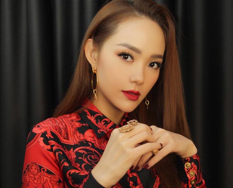 Fanpage của Minh Hằng đã lên đến hơn 8,7 triệu người theo dõi