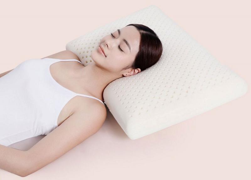 Nằm ngửa khi ngủ có thể giúp ngăn ngừa nếp nhăn trên khuôn mặt, nhưng đó không phải là tư thế ngủ tốt nhất nếu bạn đang bị giãn tĩnh mạch