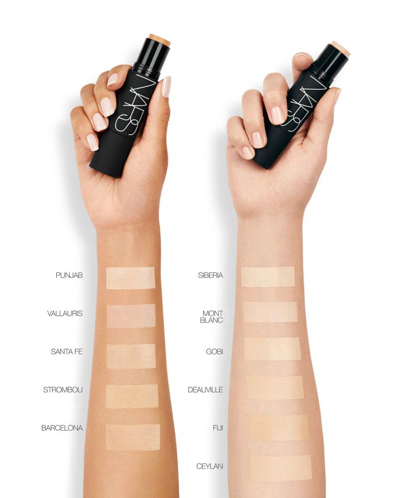 Kem nền NARS Velvet Matte Foundation Stick có nhiều mức độ che phủ phù hợp với từng màu da khác nhau