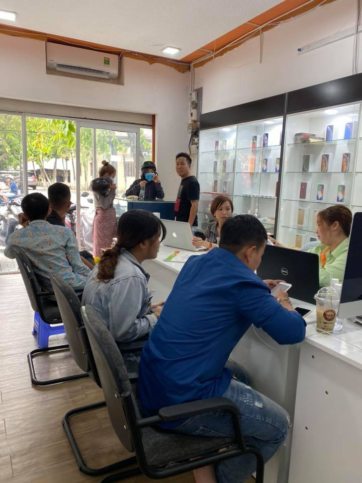 Nguyễn Tấn iPhone Shop