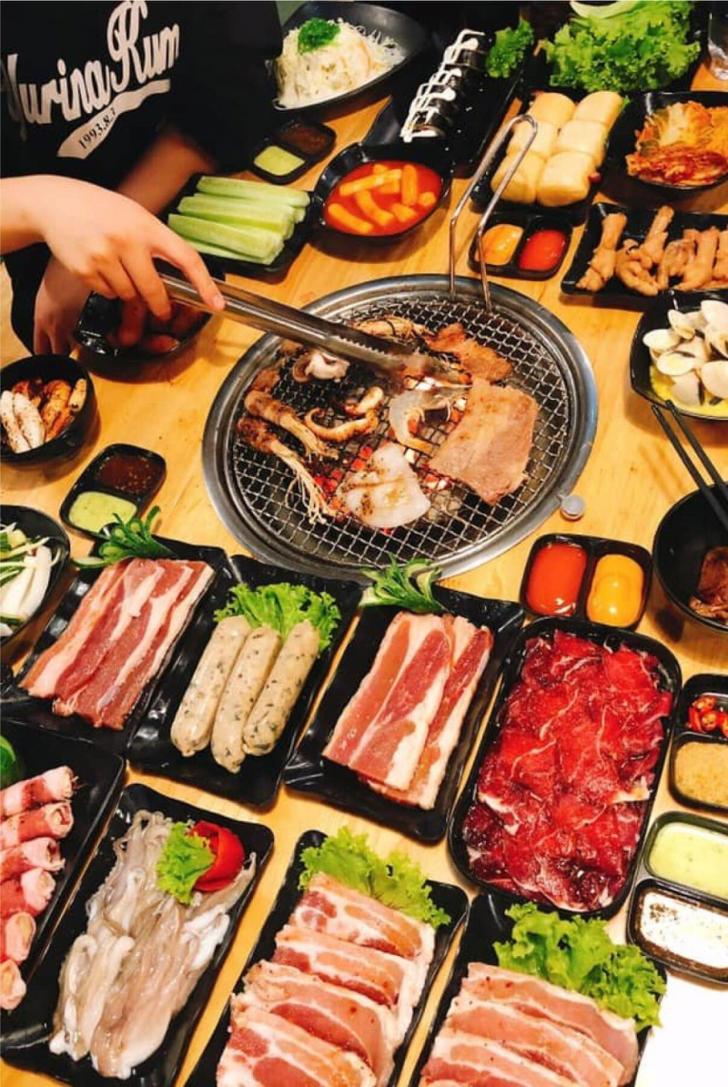 Nhà hàng Buffet Seoul Bulgogi BBQ & Hotpot với các món ăn thơm ngon, hấp dẫn
