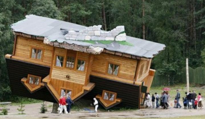 Nhà lộn ngược (Schimbark, Ba Lan)