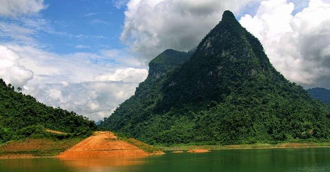 Núi Pắc Tạ