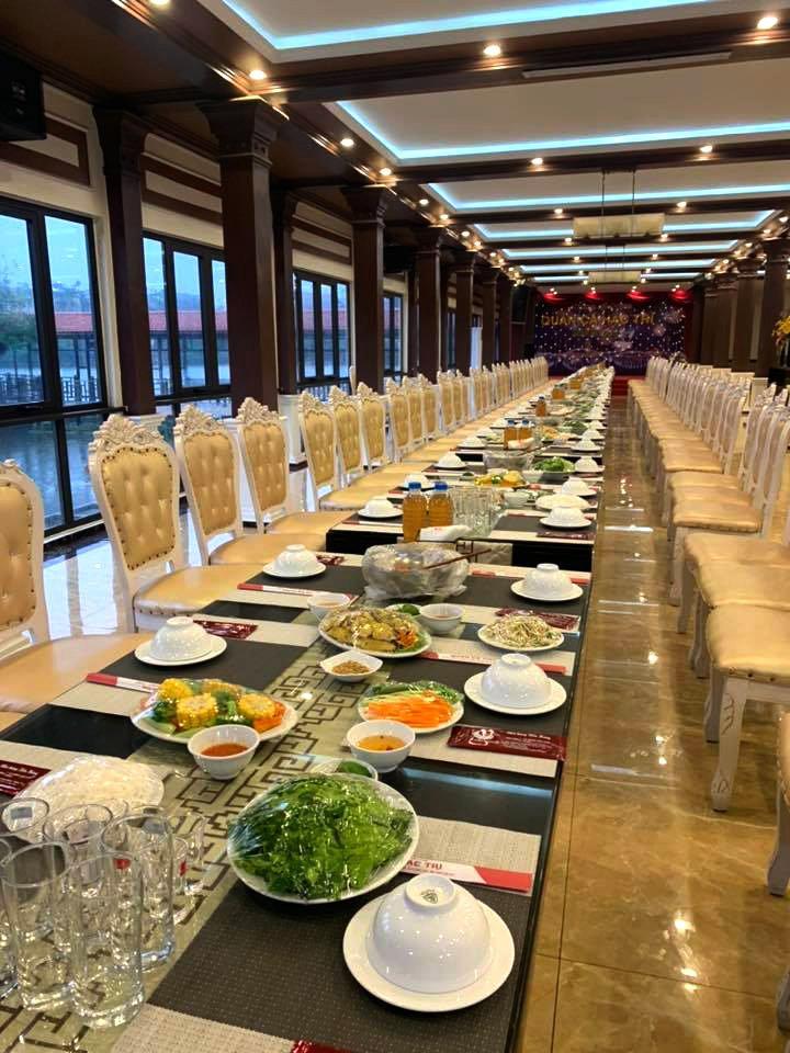 Quán cá Hạc Trì - Nhà hàng Tiến Hưng