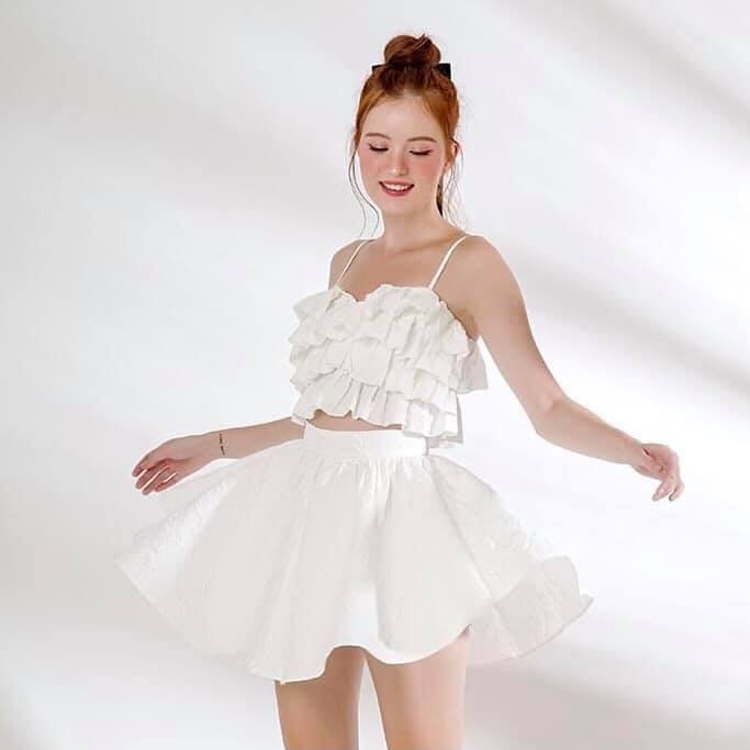 Áo váy đầy nữ tính đến từ REN