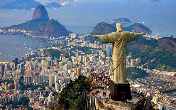 Tượng cứu chúa thế giới ở Rio de Janeiro