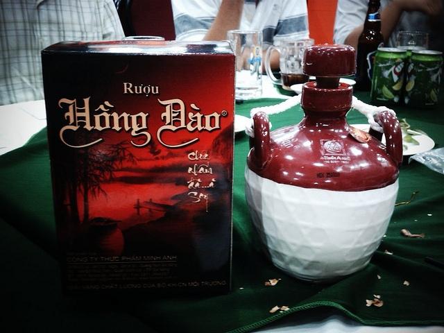 Rượu Hồng Đào (Quảng Nam)