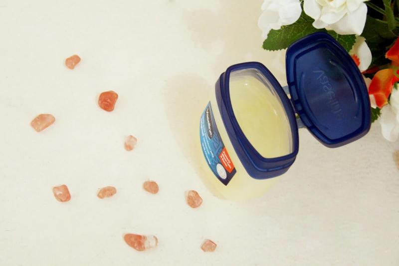 Sáp dưỡng ẩm Vaseline Pure Petroleum Jelly