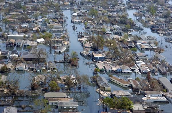 Siêu bão Katrina năm 2005