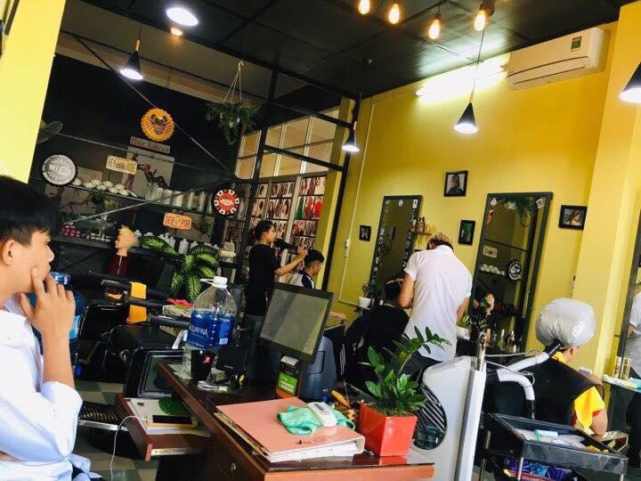 Duy Barber shop luôn quan tâm đến chất lượng và lấy cảm nhận của khách hàng làm tiêu chí hàng đầu, vì vậy tiệm đã trở thành địa chỉ quen thuộc của rất nhiều khách hàng nam giới cũng như cả nữ giới tại Kon Tum