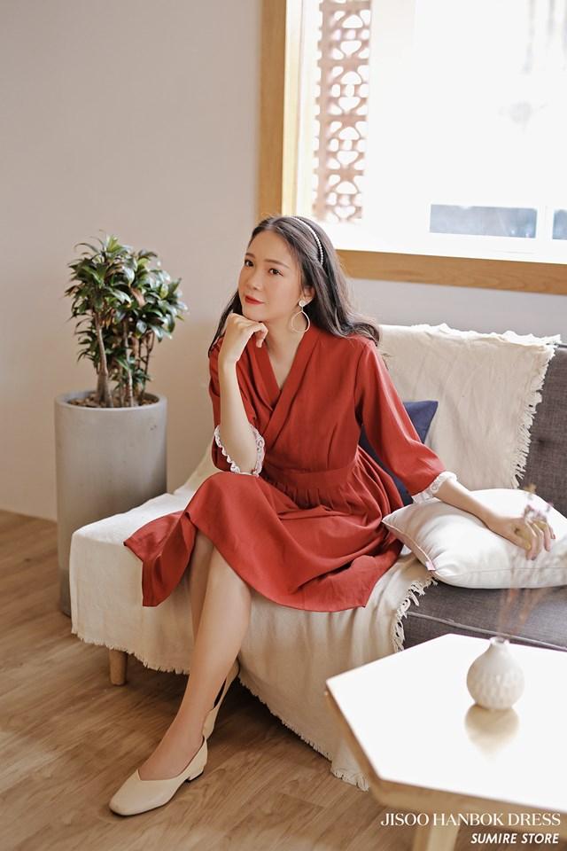 Váy áo ở Sumire store được cái chăm chút rất kỹ lưỡng, chất liệu mềm mại và đặc biệt mặc không bị nhăn nên thích lắm.