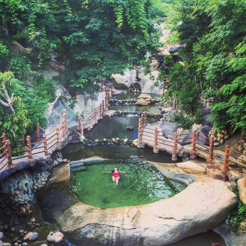 Tận hưởng tại suối khoáng nóng Hua Pe