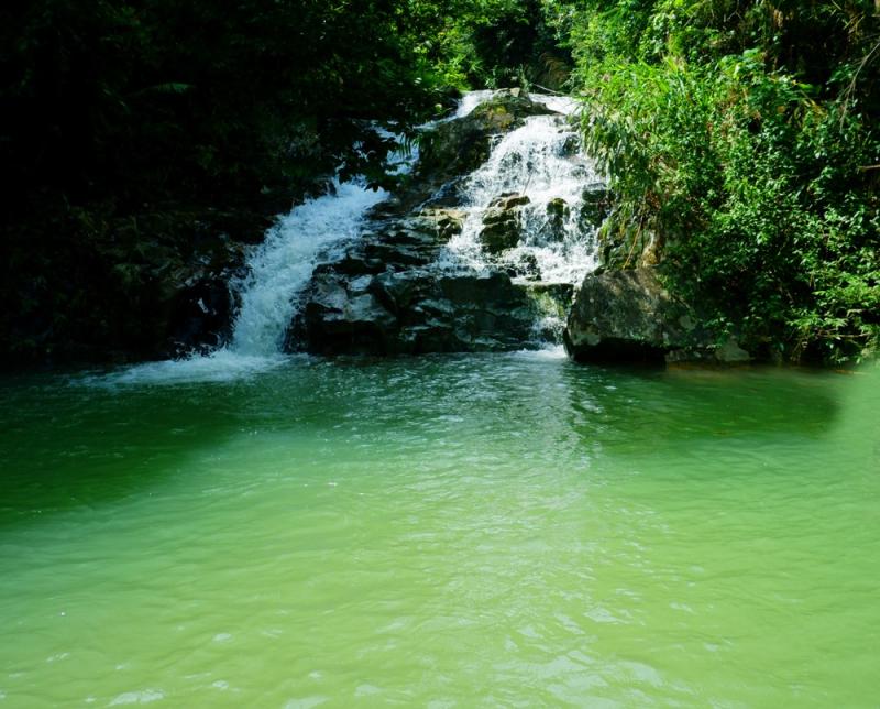 Thác Khe Lạnh nằm trên địa bàn xã Thanh Sơn, huyện Ba Chẽ, tỉnh Quảng Ninh