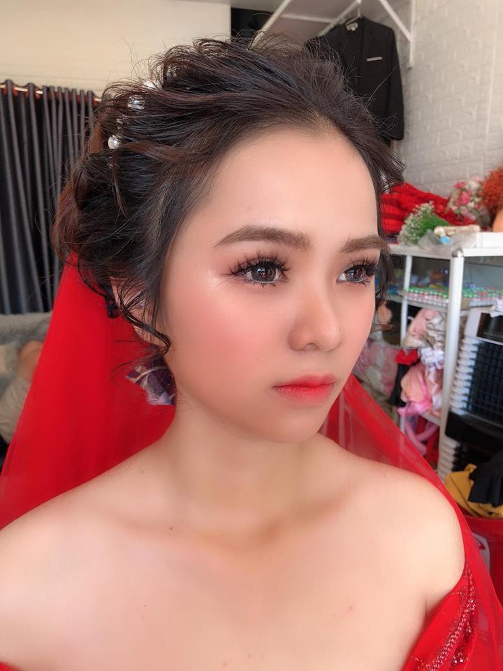 Thu Hana make up