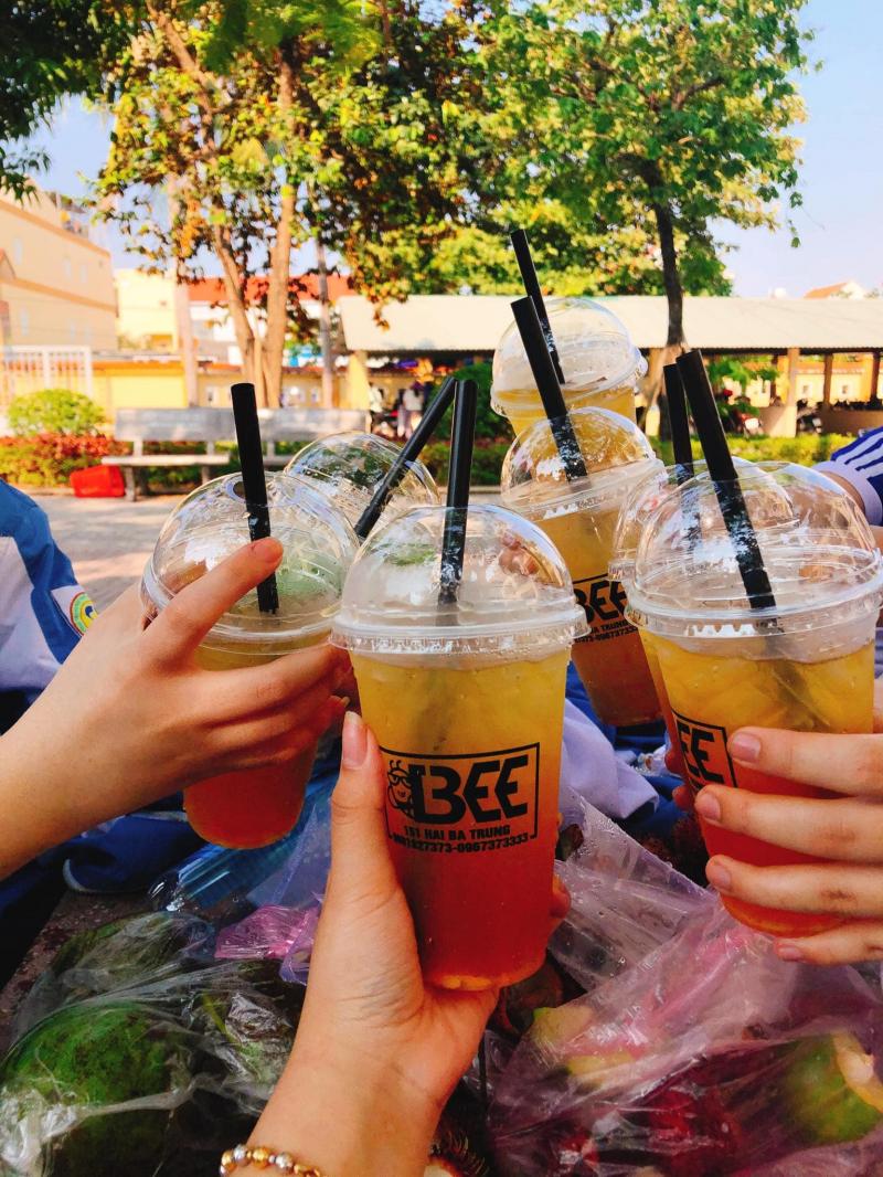 Tiệm trà chanh Bee