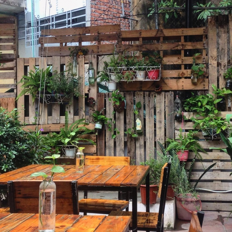 Bluebird's Nest Book Cafe