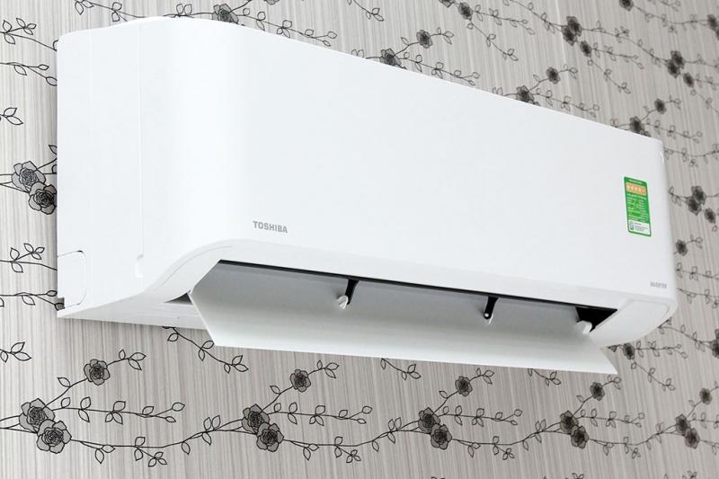 Máy lạnh Toshiba 1.5 HP RAS-H13BKCV-V