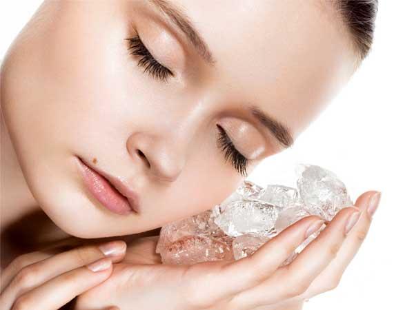 Nước đá trị mụn và giúp da căng mịn