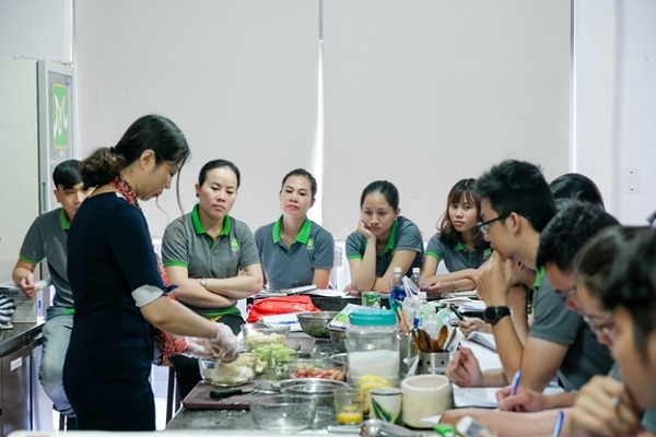 Một lớp học pha chế tại HNAAu Đà Nẵng