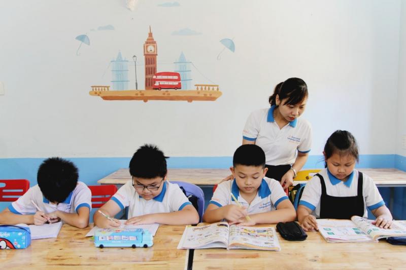 Hoạt động giảng dạy tại Trung tâm Ngoại ngữ Supermind