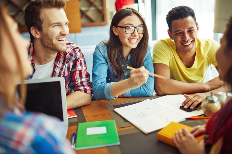 Anh ngữ VATC giúp tạo nền tảng vững chắc cho học viên khi đến môi trường chuẩn quốc tế