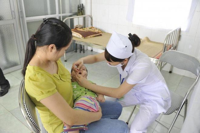 Vacxin phòng tránh bại liệt (IPV)