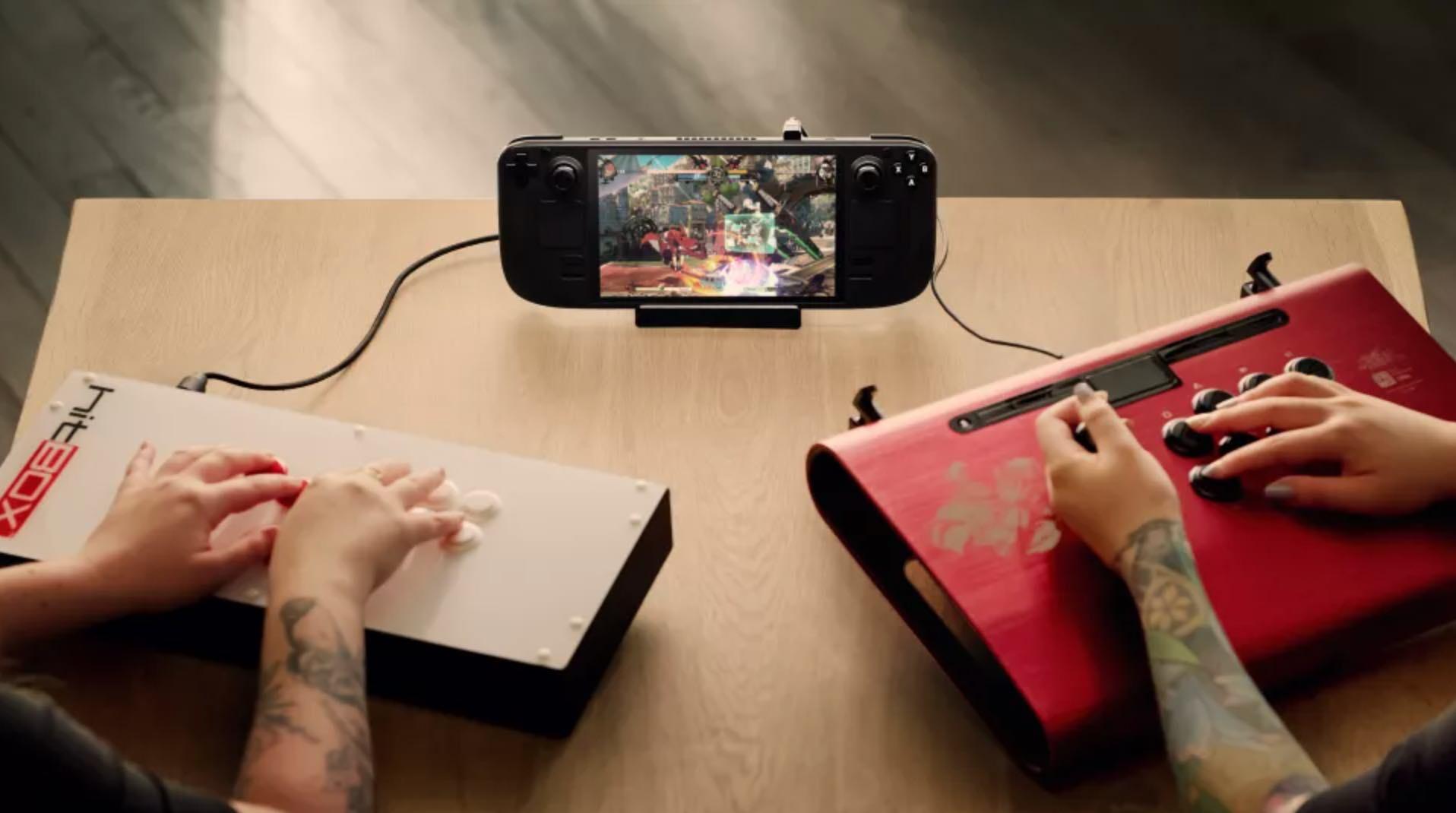 Valve tung thiết bị chơi game cầm tay Steam Deck mới, giá khởi điểm từ 400 USD