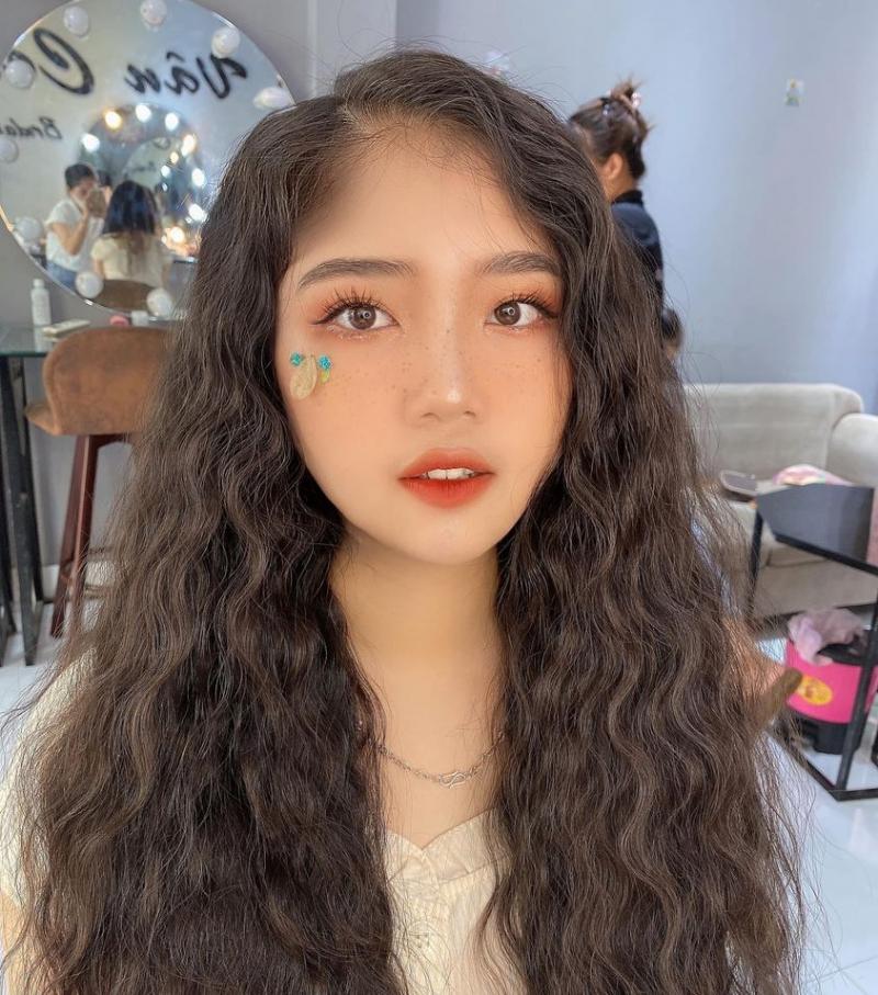 Vân Cong Makeup