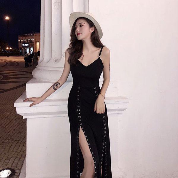 Váy 2 dây xẻ tà