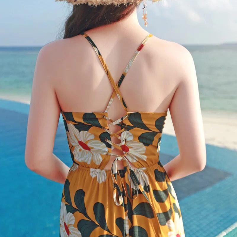 Váy hai dây đan lưng