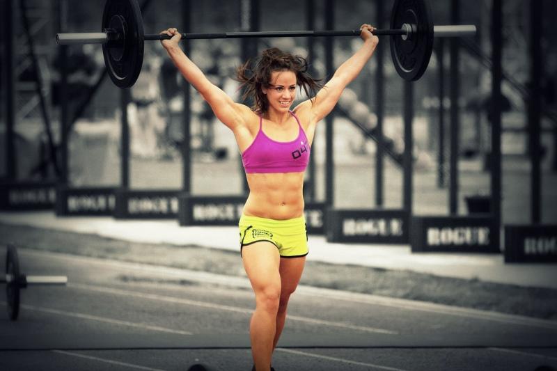 Camille Leblanc Bazinet có một sức hút rất mãnh liệt dù cho thân hình cuồn cuộc cơ bắp