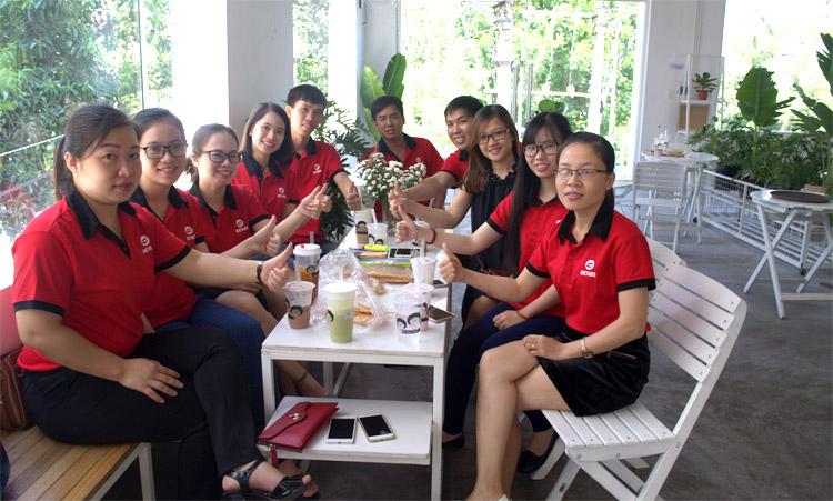 Đội ngũ nhân viên trẻ năng động, sáng tạo, nhiệt tình của Vietads