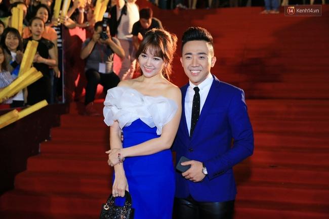 """Là một trong những cặp đôi hot nhất nhì của showbiz Việt nên hầu như mọi sự kiện lớn nhỏ đều có mặt của """"cặp đôi vàng"""" này"""