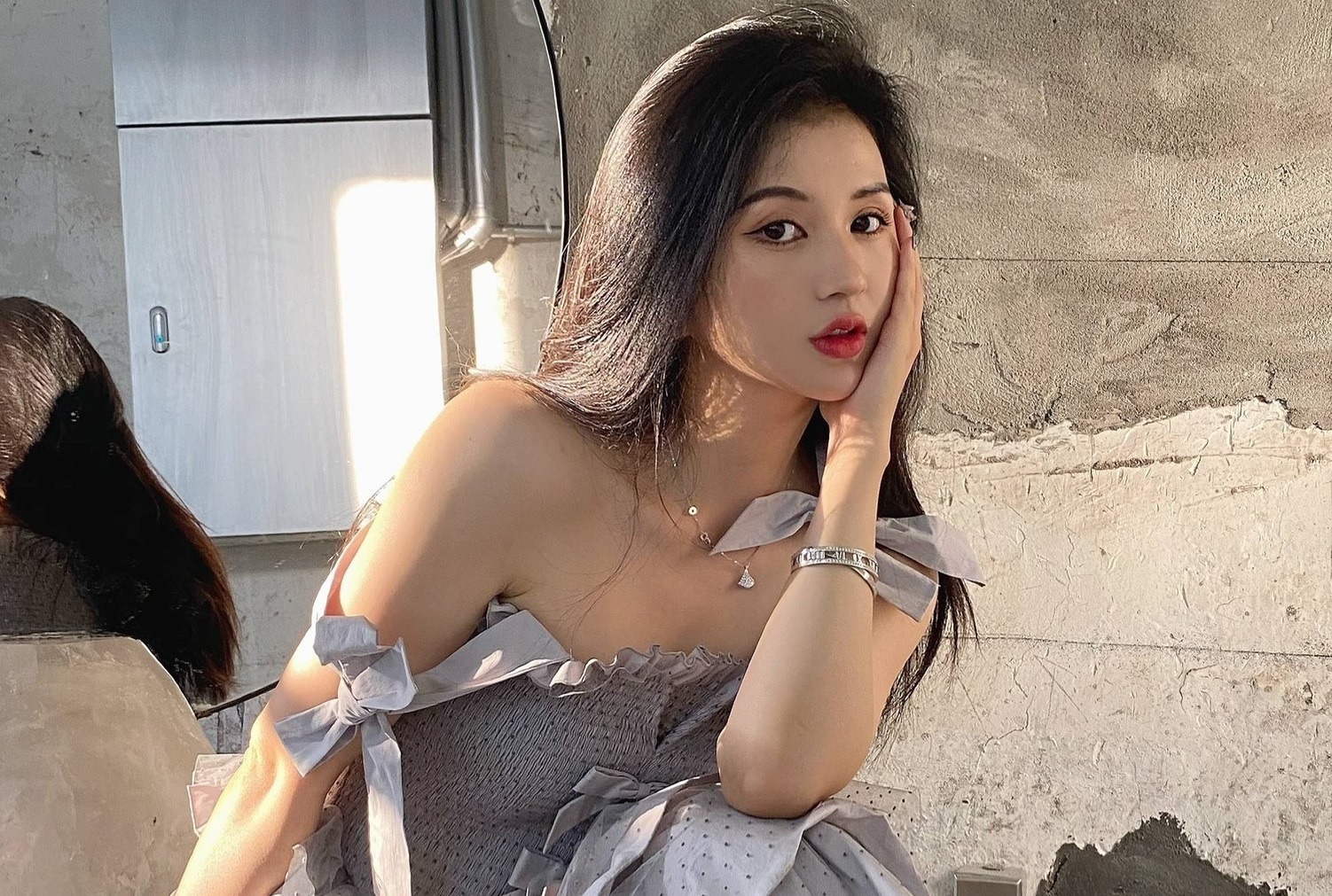 Cái chết trẻ của người mẫu Tiểu Nhiễm và bi kịch thẩm mỹ ở showbiz