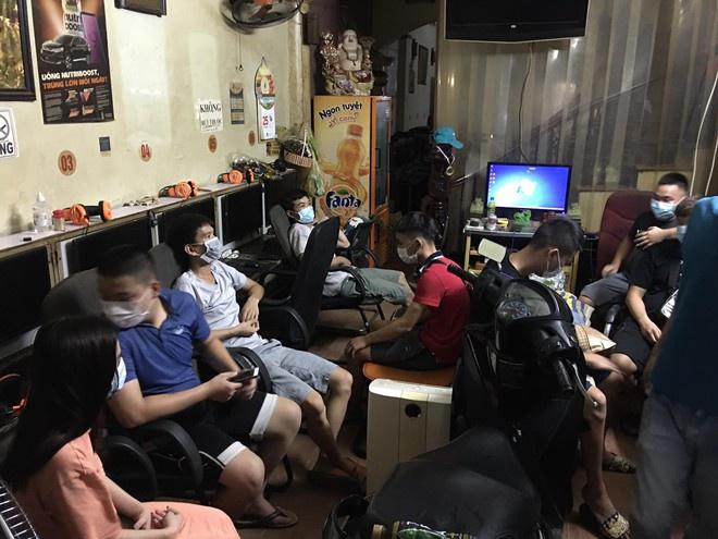 Tụ tập chơi game, 10 người bị xử phạt