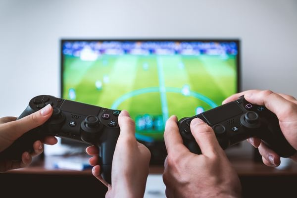 Máy chơi game cầm tay ngày càng đắt hàng tại Trung Quốc