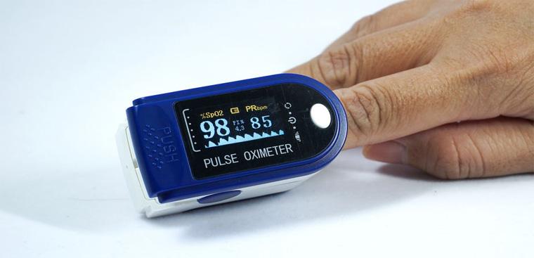 Top 5 Cách chọn mua Máy đo nồng độ oxy trong máu chính xác, hiệu quả
