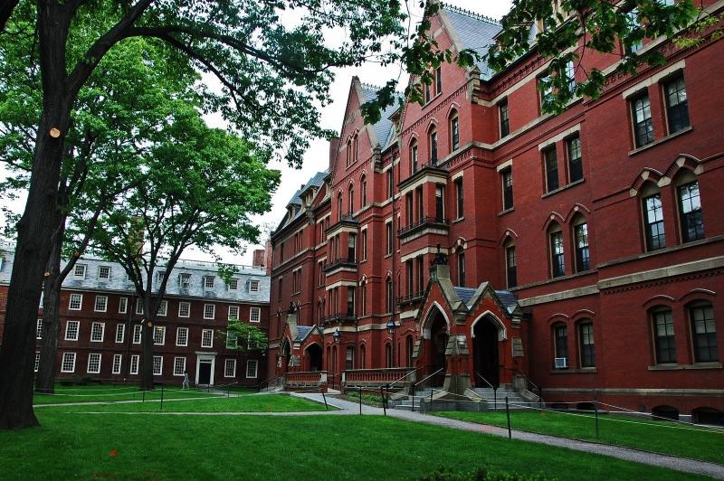 Top 10 Trường đại học nổi tiếng nhất ở Mỹ
